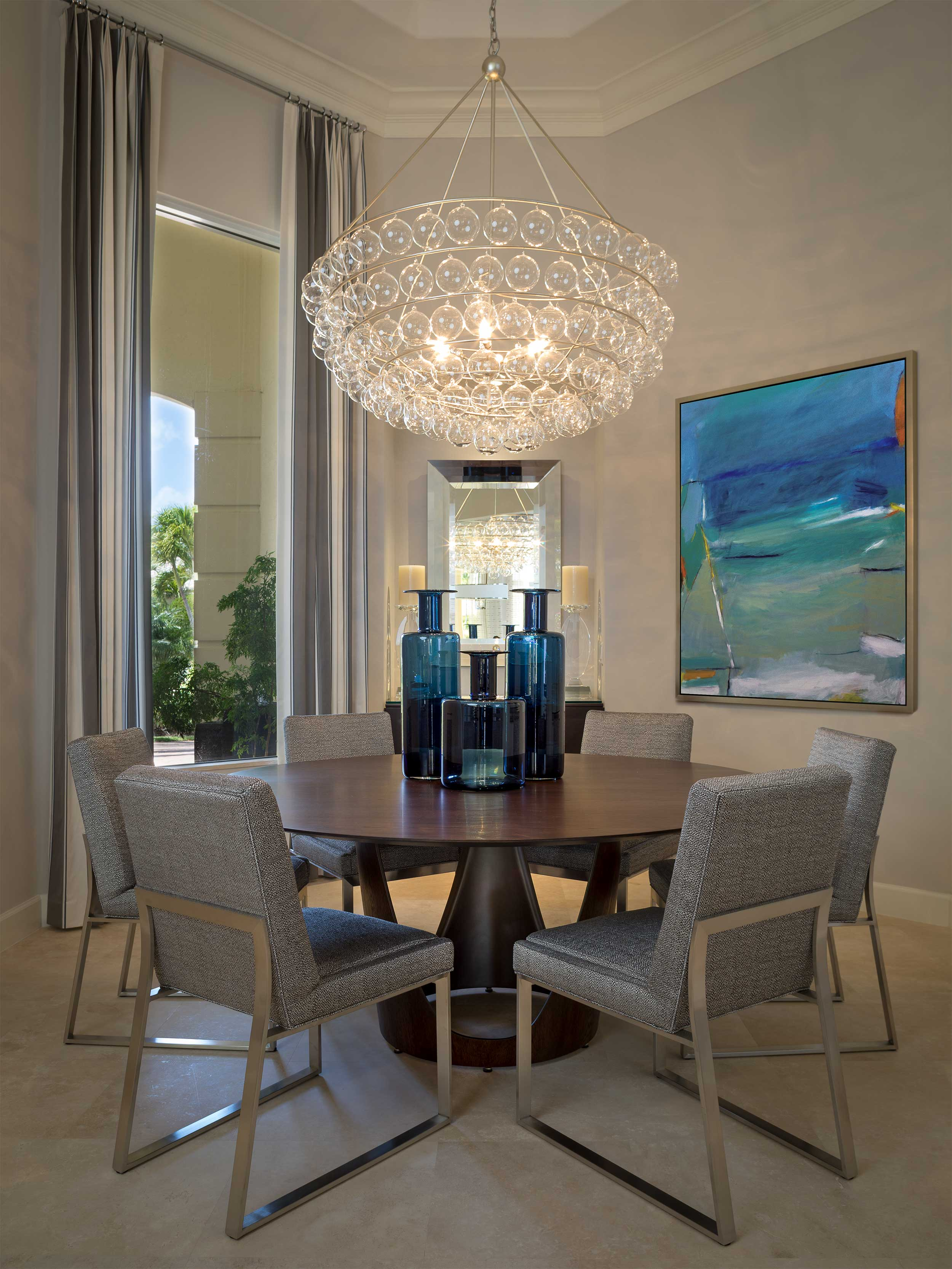 Formal dining room at Admiral's Cove
