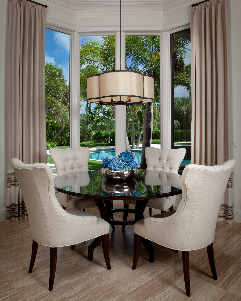Dining room contemporary design in Jupiter